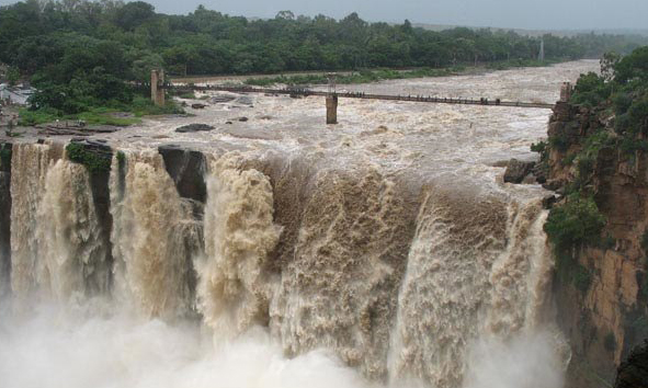 T.N. favours tribunal for sharing waters of Markandeya river